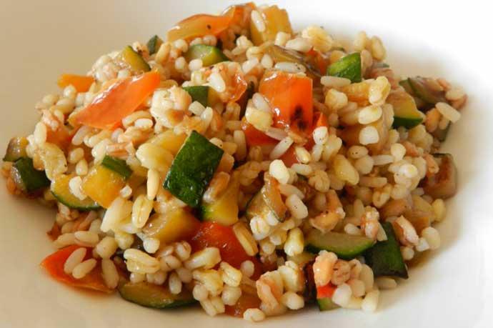 insalata-cinque-cereali-verdure